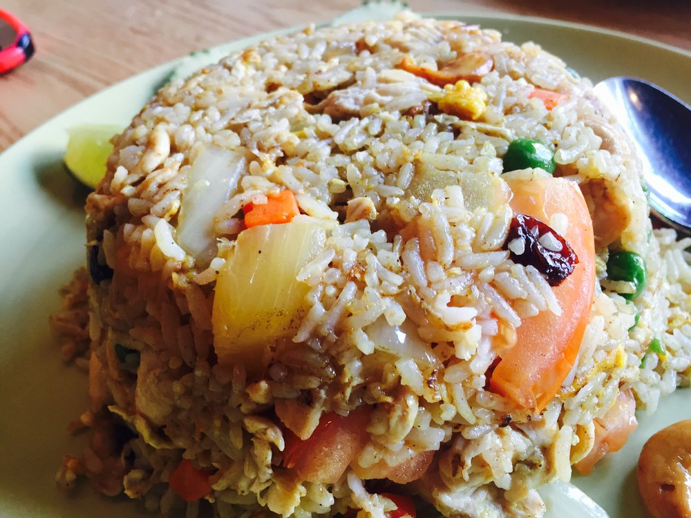 Pineapple fried rice with chicken.jpg
