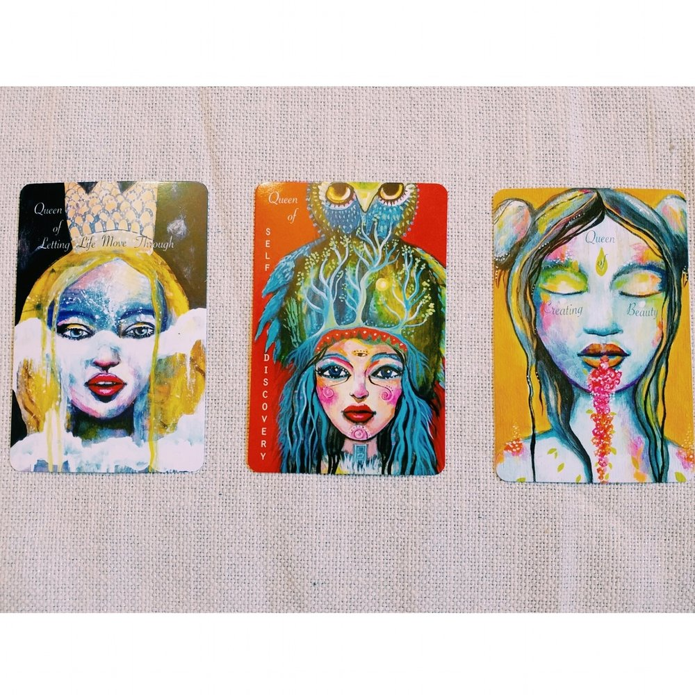 I Am Queen cards by  Outi Harma