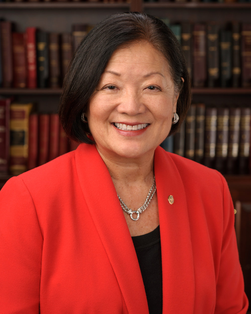 Mazie_Hirono,_official_portrait,_113th_Congress.jpg