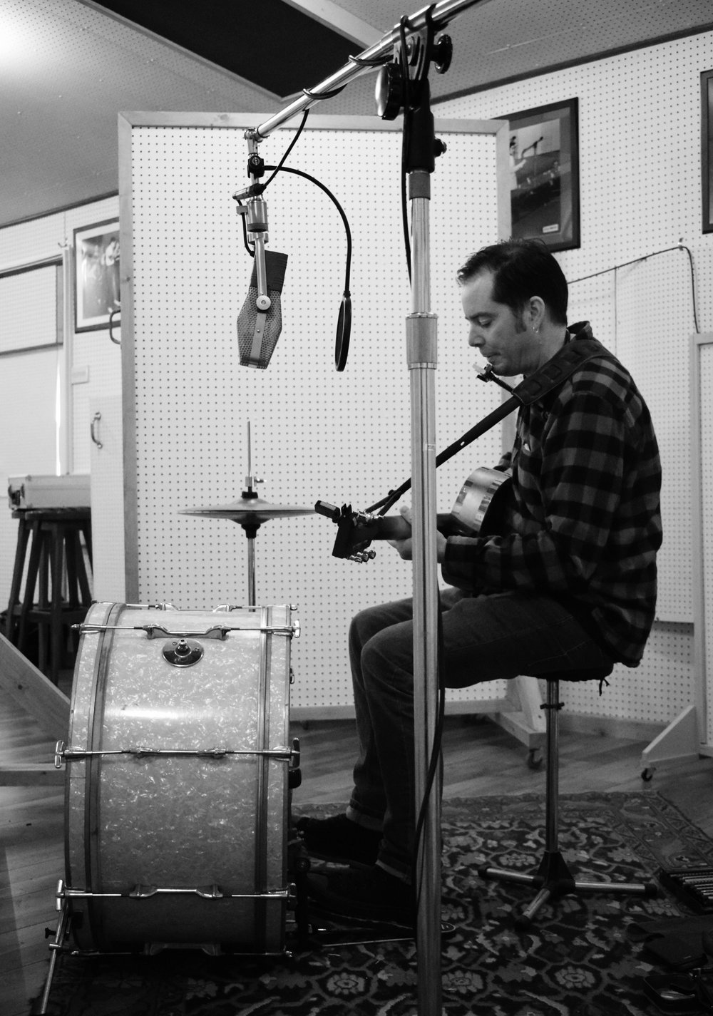 Li'l Chuck recording at Sugar Ray's  Photo by Kelvin Leitch