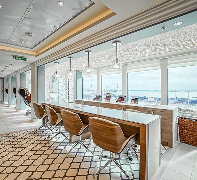 Check out the @norwegiancruiseline Bliss Mandara Spa & Salon. Must book a massage or spa service for all of the girls and ladies once you are onboard! 📸by @studiogta_realestatemedia @hermanphotos
