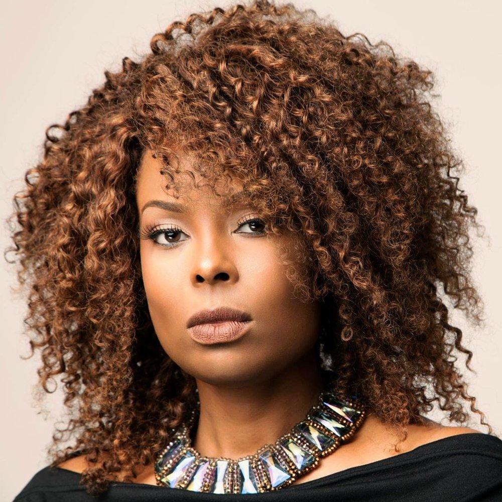 Makeup artist, Instructor, Brand Ambassador - Influencer