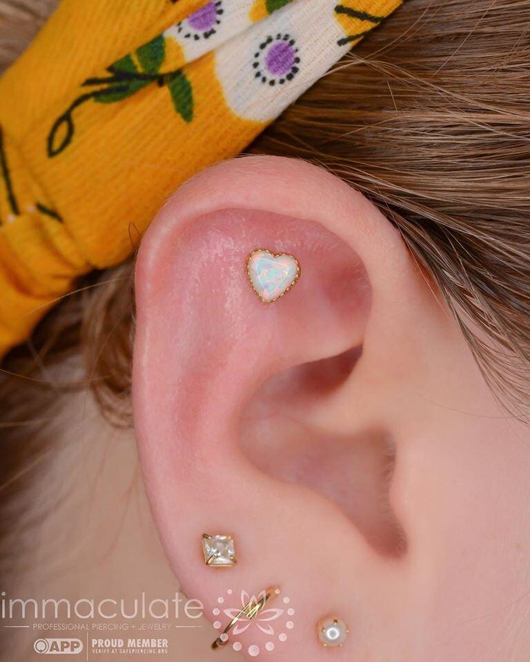 Flat W 18k White Opal Heart From Anatometal Immaculate Piercing
