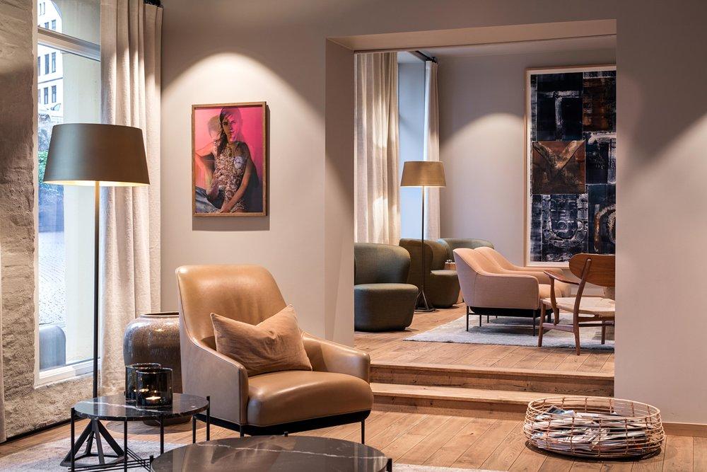 Hotel Brosundet Ålesund Norway, lounge with Scandinavian furniture and danish interior design by GARDE. Mads Emil Garde