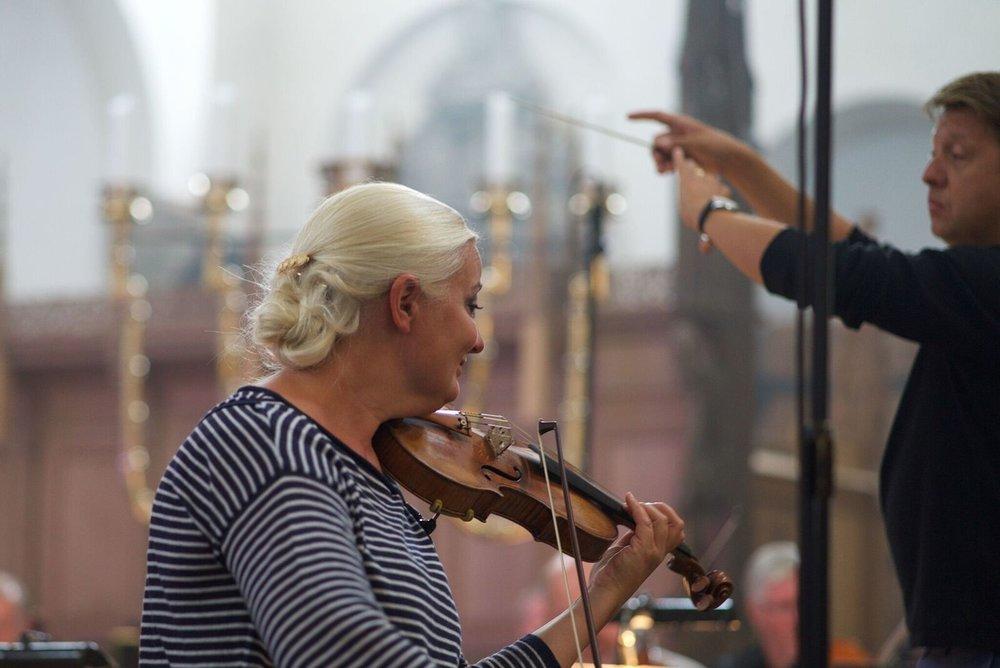 Christina Åstrand playing Gade violin concerto