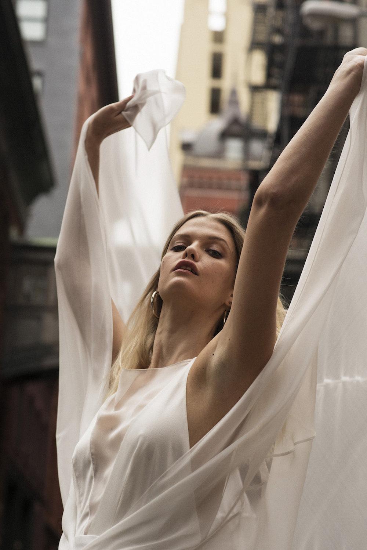 Andrea Hawkes Minimalist bridal1.jpg