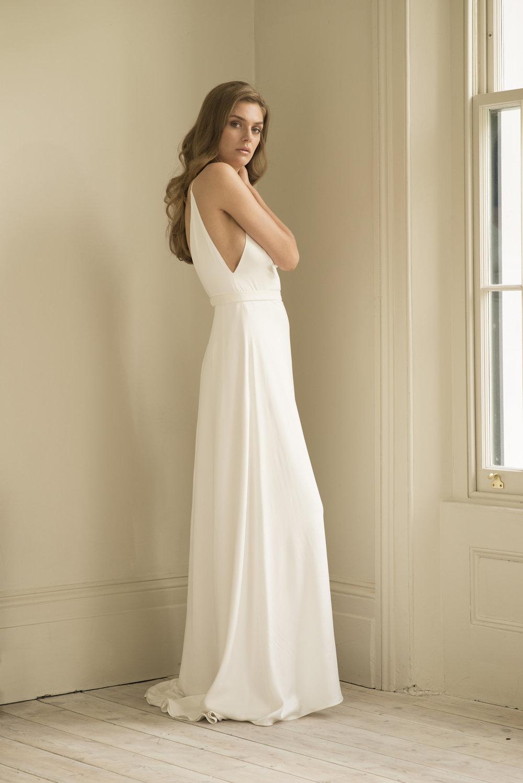 Andrea Hawkes Minimalist bridal6.jpg