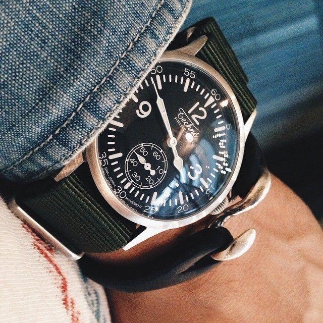 Wear it on flannel, wear it on #denim, wear it on canvas... wear it any way you fancy, but make sure to bring your Techné timepiece the next journey!⠀ ⠀ Original image by @ahonobaka⠀ ⠀ #regram #watches #watchfam #timepiece #watchnerd #reloj #orologio #montres #watchdaily #orologi #uhren #watchesformen #wwc #ablogtowatch #wristwatchcheck #microbrand #theurbangentry #montreshomme #mensgrooming #selvedge #rawdenim #vintagedenim #selvage #ruggedstyle #vintageworkwear #cuffington #denimdudes #denimheads #technewatches