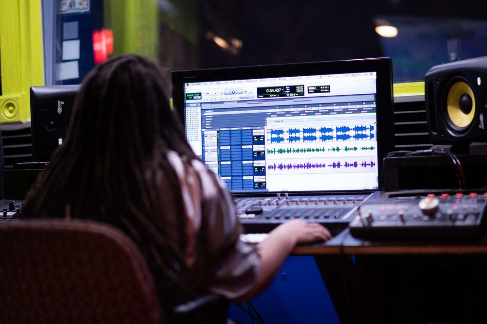 Platinum Studio -