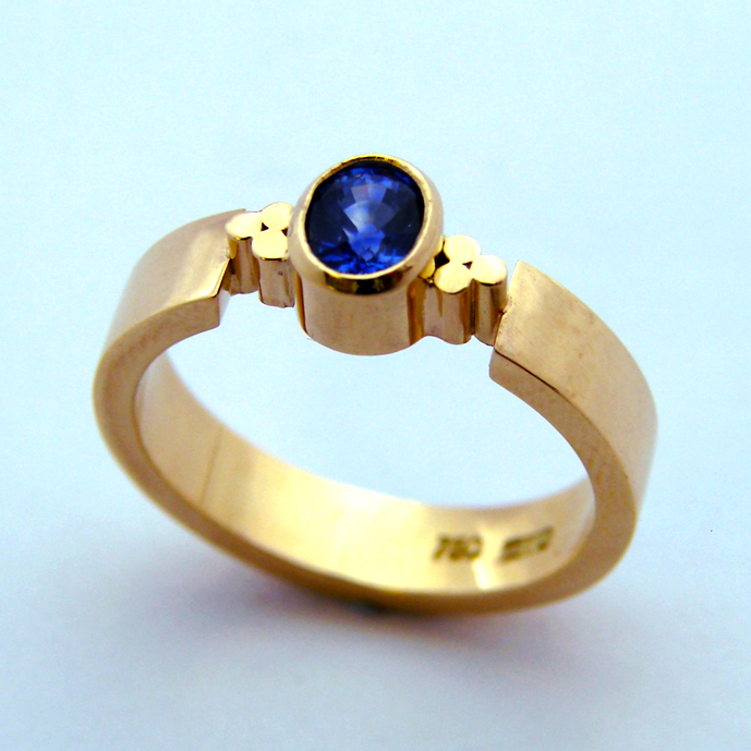 Blue Sapphire 18ct Yellow Gold Triscel Ring