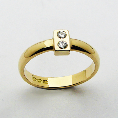 lego ring 18ct yellow gold and diamonds.jpg