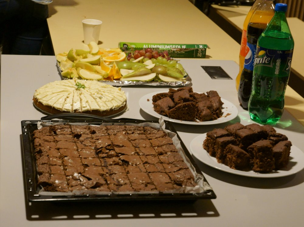 We have good bakers in NTNU Ocean Club, There was enough fruit and cake for everyone!
