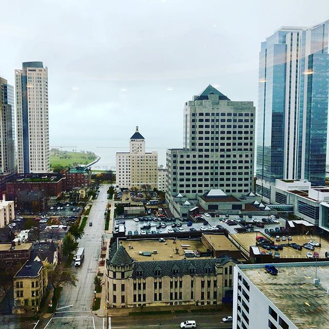 Gloomy November Election Day downtown. #milwaukee #noelrea #realestate #gloomyday #office