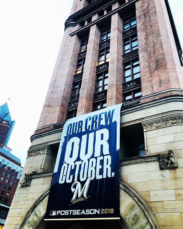 City hall is supporting a BIG day in Milwaukee. Go Brewers! 💙💛 #milwaukee #milwaukeebrewers #realestate #noelrea #cityhall #sportsfan #brewcrew