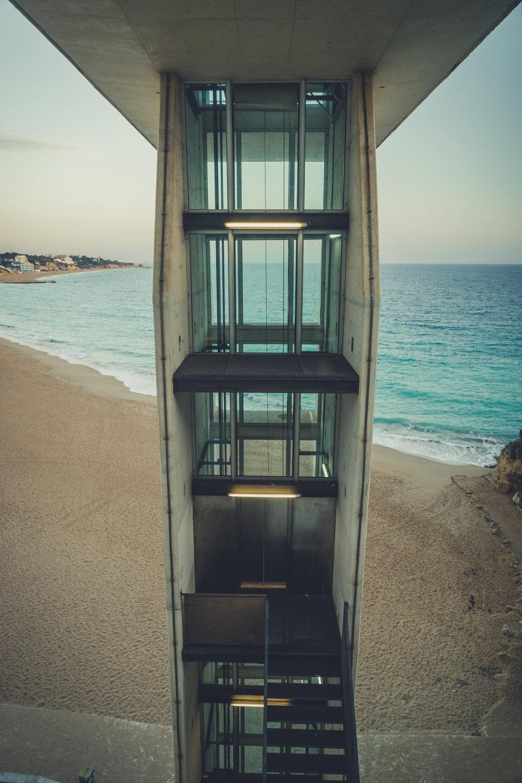 Lift at praia Peneco Beach. praia Peneco Beach lift to the upper level.jpg