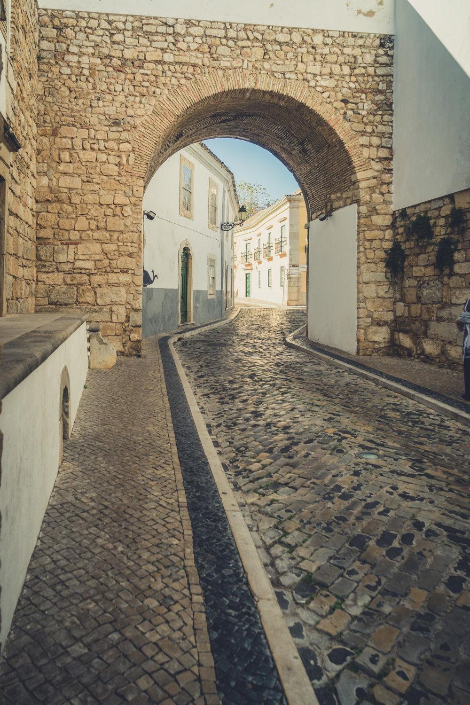 Faro Arch way. Faro in the Algarve.jpg
