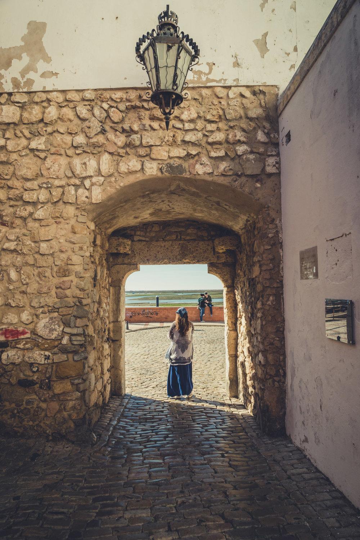 FAro arch. Old town Faro. Faro in the algarve..jpg