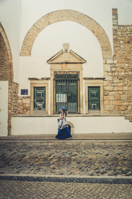 Walking through the streets of Faro. Faro in the Algarve. Old town Faro..jpg