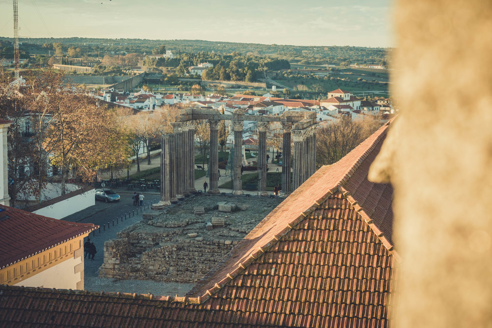 Evora. Roman Ruins. Portugal. Alentejo. Piliers. Roman city. ancient roman town. Blue sky. travel. adventure. history. historical. view from the roof.jpg