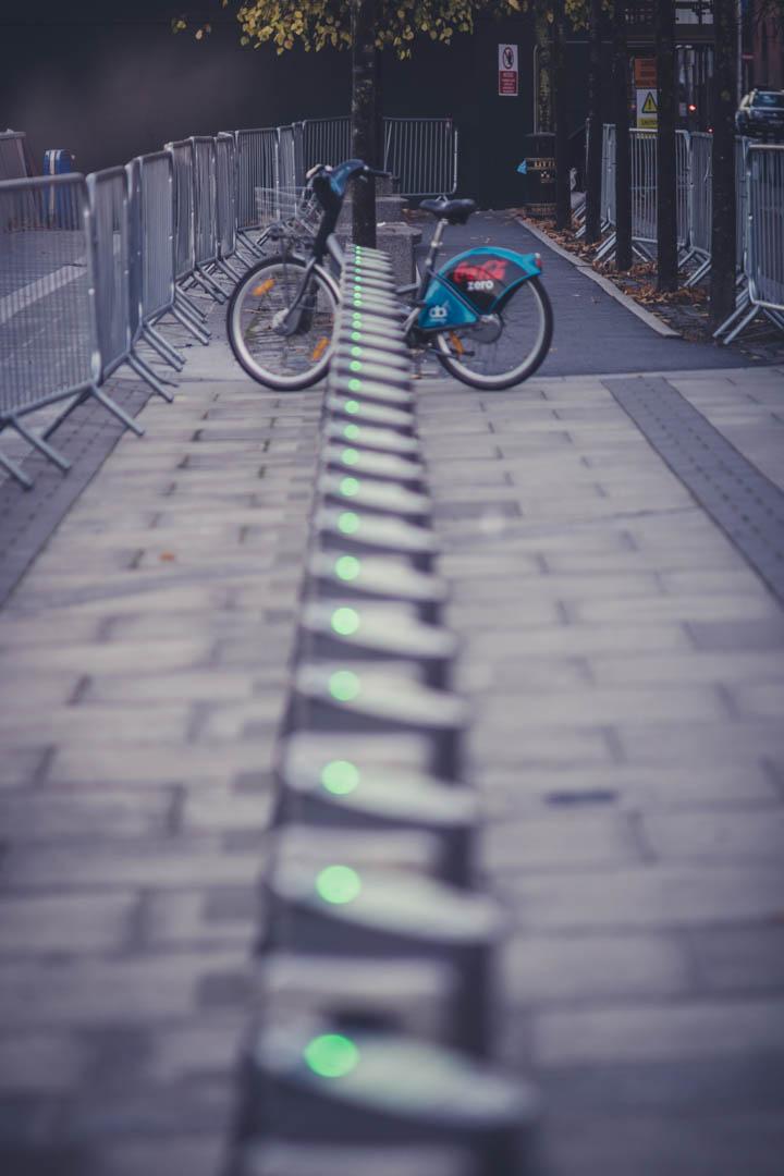 Dublin. Dublin city. street photography. ireland. travel. travel photography. photowalk. walking. people. street. art. on the street. city bikes.jpg
