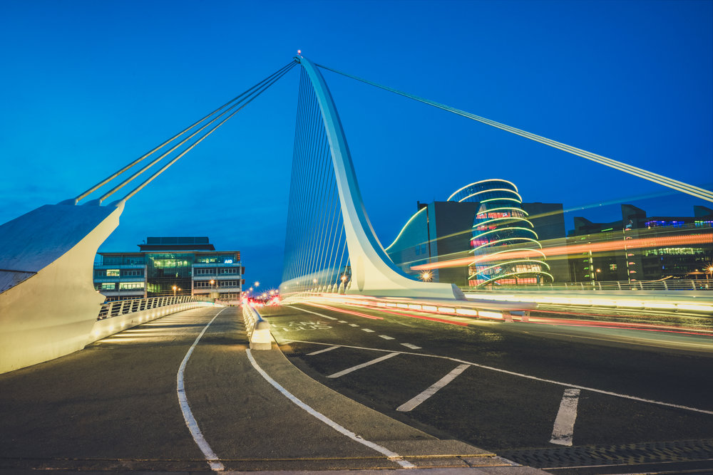 Dublin. Dublin city. street photography. ireland. travel. travel photography. photowalk. walking. people. street. art. on the street. samual becet bridge...jpg