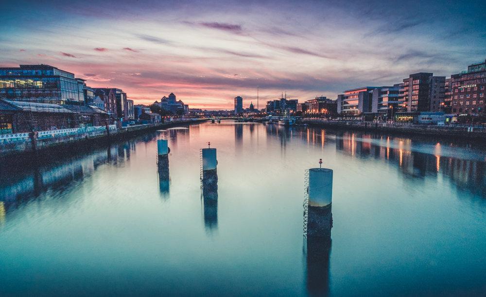 Dublin. Dublin city. street photography. ireland. travel. travel photography. photowalk. walking. people. street. art. on the street. sunset over the city.jpg