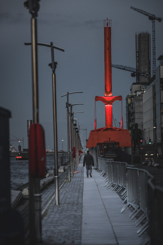 Dublin. Dublin city. street photography. ireland. travel. travel photography. photowalk. walking. people. street. art. on the street. lonely.jpg