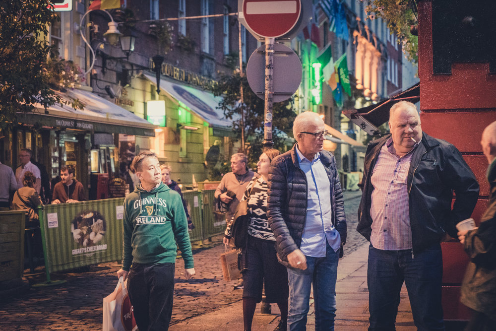 Dublin. Dublin city. street photography. ireland. travel. travel photography. photowalk. walking. people. street. art. on the street. temple bar. the people we meet.jpg