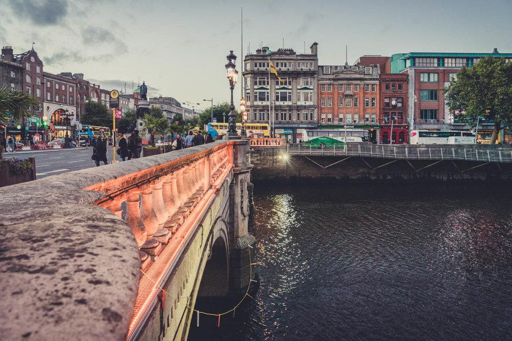 Dublin. Dublin city. street photography. ireland. travel. travel photography. photowalk. walking. people. street. art. on the street. o connell street bridge.jpg