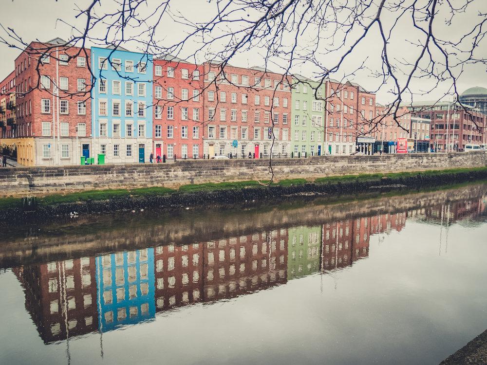 Dublin. Dublin city. street photography. ireland. travel. travel photography. photowalk. walking. people. street. art. on the street. old dublin builings.jpg