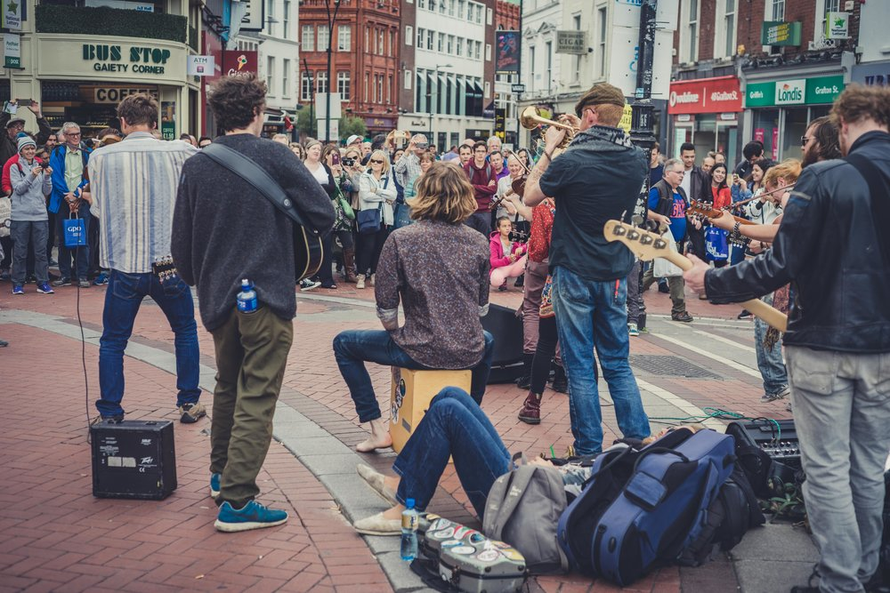Dublin. Dublin city. street photography. ireland. travel. travel photography. photowalk. walking. people. street. art. on the street. busking.jpg