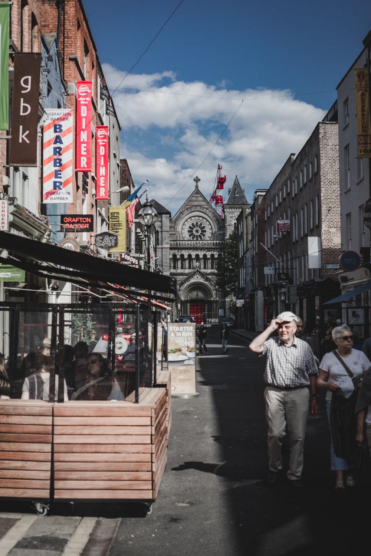 Dublin. Dublin city. street photography. ireland. travel. travel photography. photowalk. walking. people. street. art. on the street. poeple.jpg