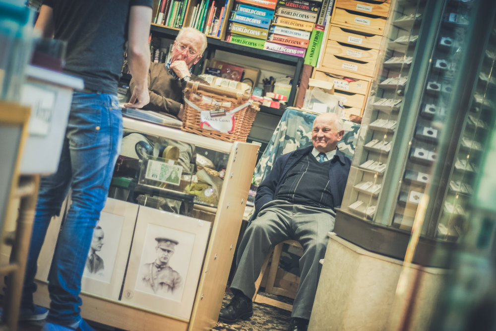 Dublin. Dublin city. street photography. ireland. travel. travel photography. photowalk. walking. people. street. art. on the street. the people we meet. dublin faces.jpg