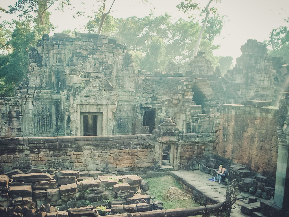 lost-in-angkor_backpacking. south east asia. travel. young. thailand. cambodia. malaysia. couple. trip..jpg