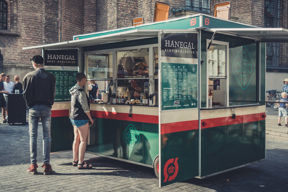 copenhagen. denmark. travel. adventure. europe. scandinavia. history. travelblog. hotdog stand..jpg