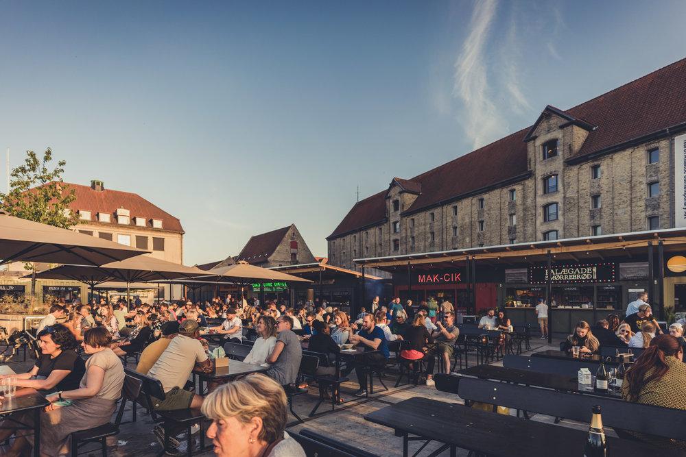 copenhagen. denmark. travel. adventure. europe. scandinavia. history. travelblog. classic view of the city. nyhavn food court.jpg