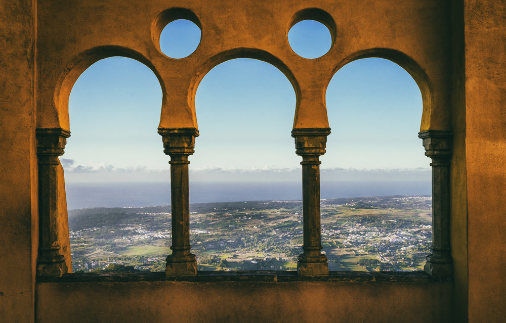 Portugal. Travel. Sintra. Sunshine. Hotel. History. view. room with a view. pena palace.  palace. town. old town. castle. castelo dos mouros..jpg