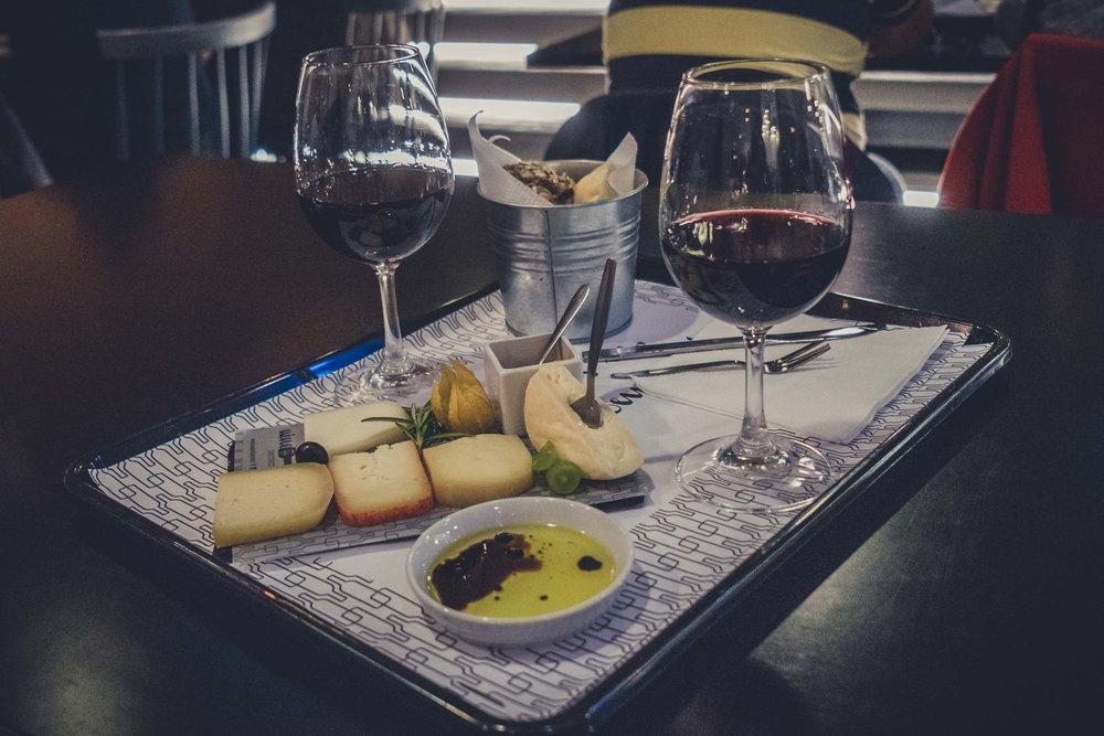 Porto. Portugal. Travel. City. poeple. wine. blog. travel blog. -30.jpg