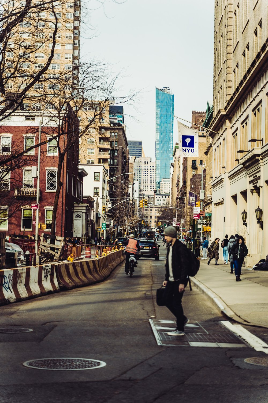 new york city streets poeple.jpg