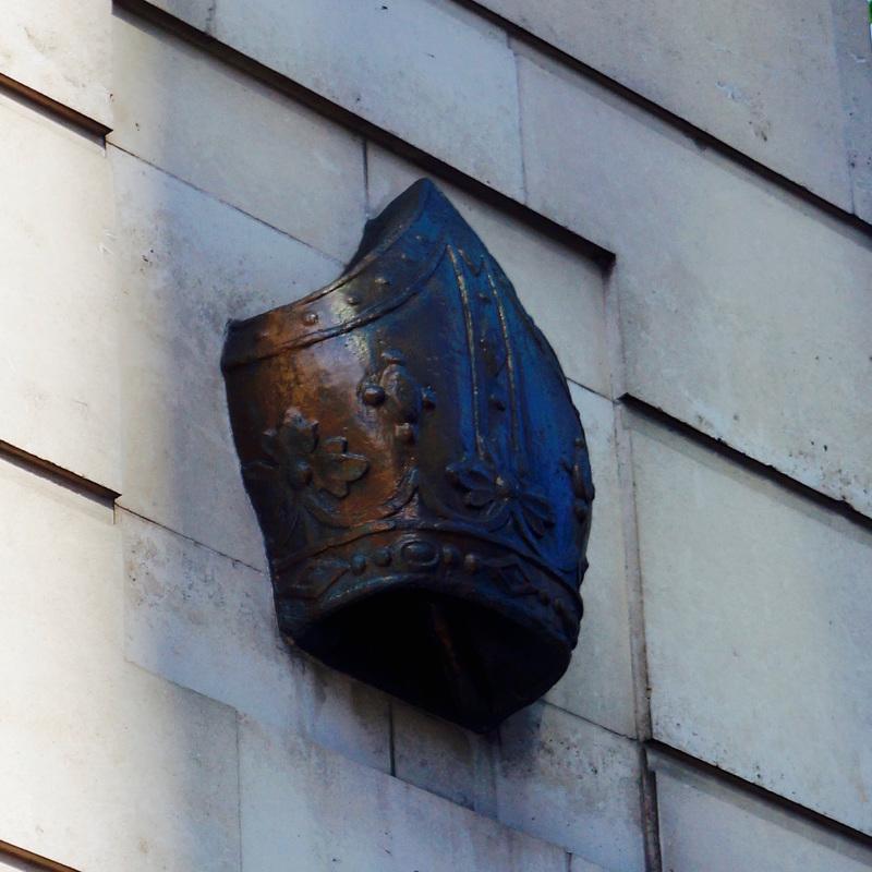 Bishop's Mitre marking the spot of the Bishopsgate