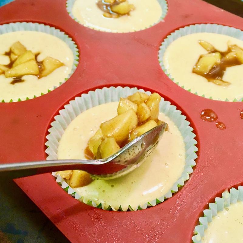 apple-crumble-cupcakes-4_orig.jpg