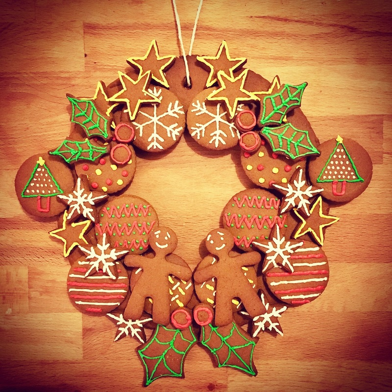 gingerbread-christmas-wreath-3_orig.jpg