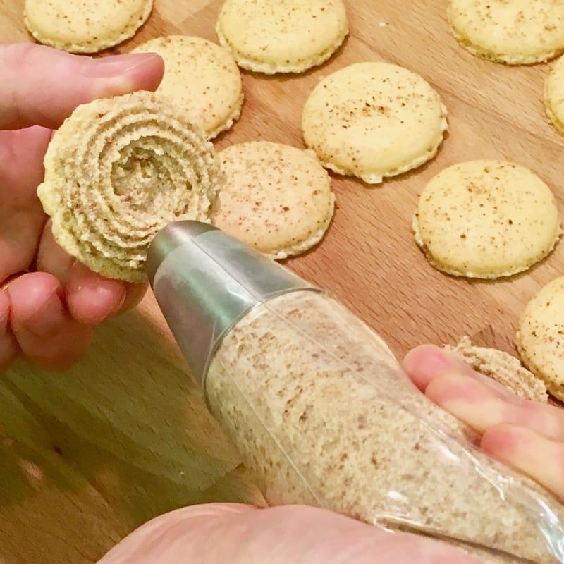 mincemeat-macarons-2_orig.jpg