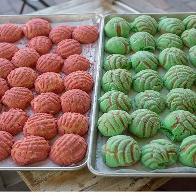 National Concha Day is tomorrow, December 8th, and we are freaking out over @lamonarcabakery's new conchitas!! Peppermint and Cinnamon!! 😍 Can't wait to enjoy these with a hot cup of Cafe de Olla. ☕️ .  Join us for some fresh conchas, warm cafecito and Friday fun. You can also sign the petition if you haven't already.. ****************** Date:  Friday, Dec 8 Time: 6pm - 8pm Location: La Monarca Bakery 2127 E Cesar Chavez Street Los Angeles, Ca 90033 ******************* Special thank you to @lamonarcabakery for their sponsorship and support in this campaign! #sisepuede 💪🏽 #conchalove #conchasarelife #conchamovement #conchaday #arribalasconchas #letsdothis