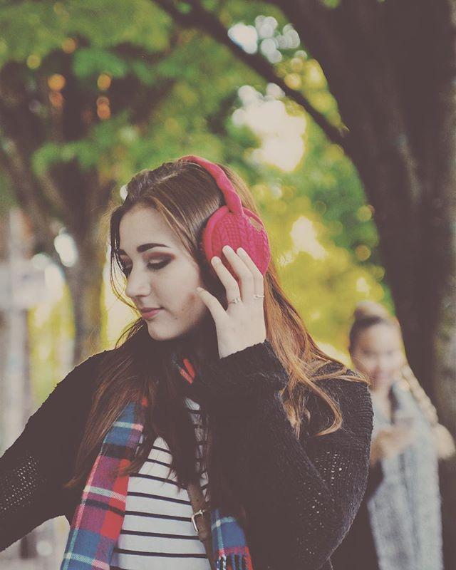 We are always moving to our own beat with our Sound Huggle earmuffs ❤️🎵 - - - #styleblogger #insidertech #insider#insiderstyle #wearabletech #Bluetooth#earmuffs #fallfashion #fallfashion2017#winterfashion #winterfashion2017#lookbook #falllookbook #London #nyc#startup #indiegogo #kickstarter#readyforfall #readyforwinter #snowday#instagood #pdx #chicago #fashionposts#ootdfashion #instafashionista #stylishlook#stylishwomen
