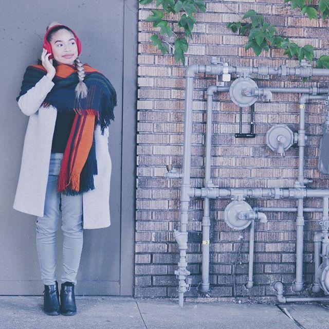 Starting to put together our Fall/Winter looks! What would you pair with our Sound Huggle earmuffs? 🍂 - - - #styleblogger#insidertech#insider#insiderstyle#wearabletech#Bluetooth#earmuffs#fallfashion#fallfashion2017#winterfashion#winterfashion2017#lookbook#falllookbook#London#nyc#startup#indiegogo#kickstarter#readyforfall#readyforwinter#snowday#instagood#pdx#chicago#fashionposts#ootdfashion#instafashionista#stylishlook#stylishwomen