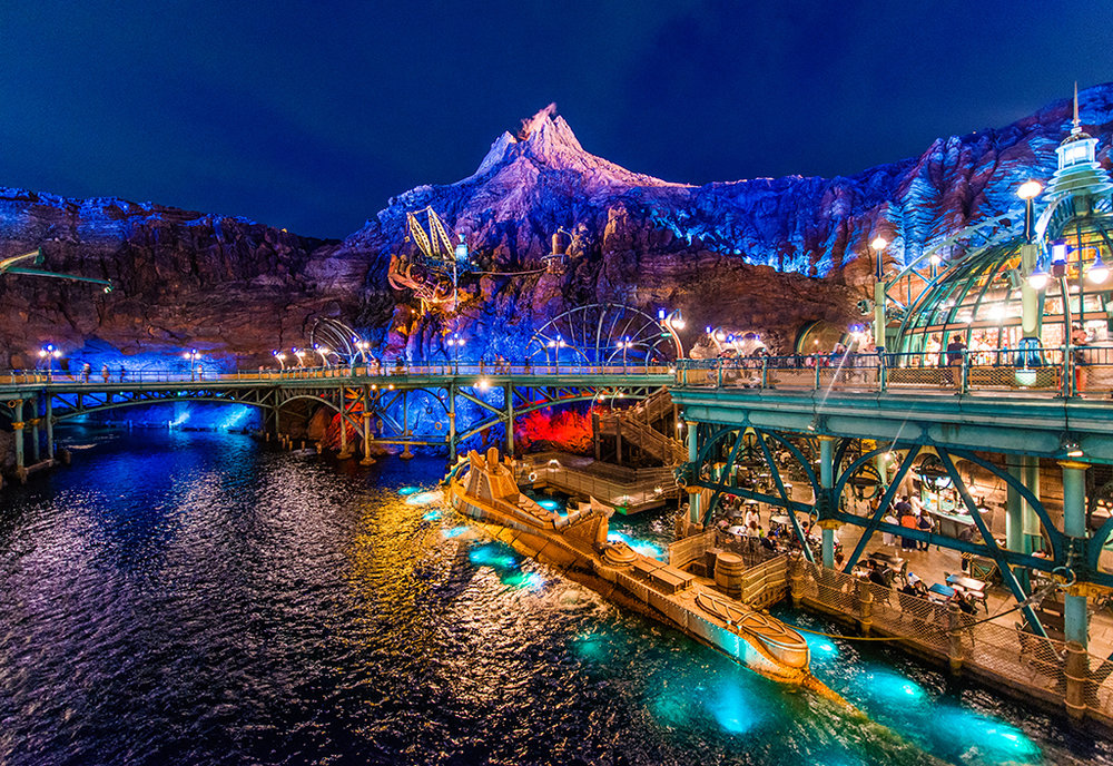 toyko-disneysea-mysterious-island-night.jpg