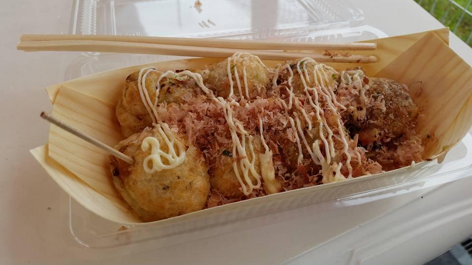 Trackside takoyaki.jpg