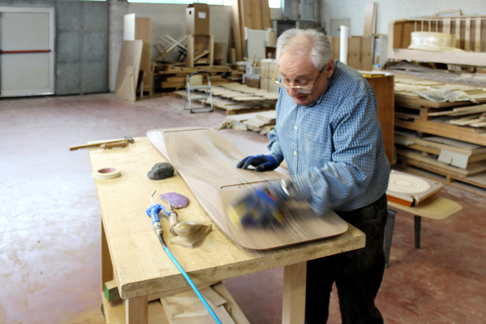 Italian craftsman at work miduny