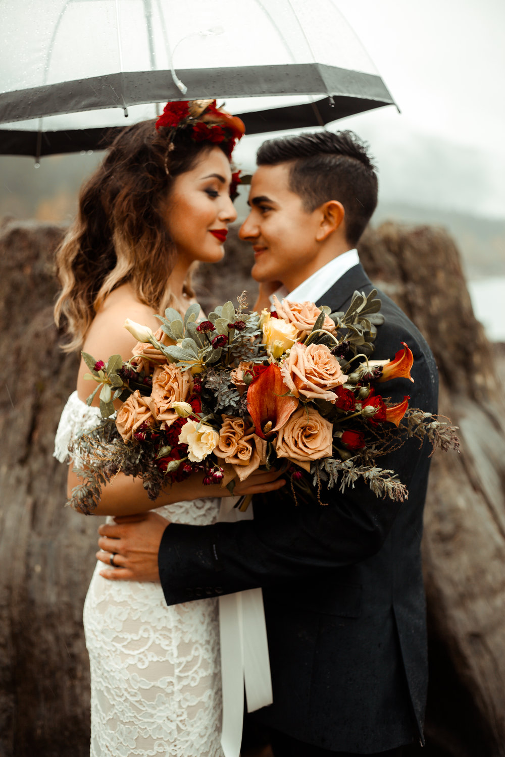 A Whimsical Millennial Elopement in Washington. -